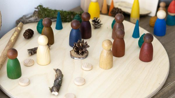 Holzfiguren NINS Grapat